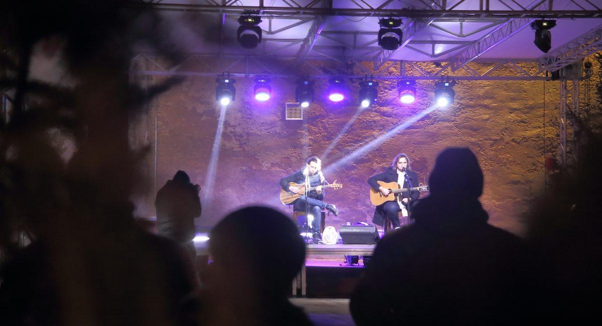 Advent u Đurđevcu: Održan koncert grupe COTA G4 te još jedno uprizorenje Živih jaslica