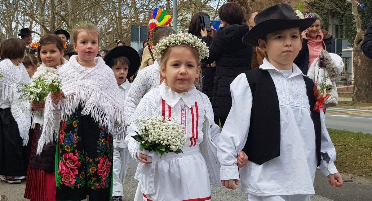 MALI FAŠENK: I ove godine male maškare preplavile Trg sv. Jurja